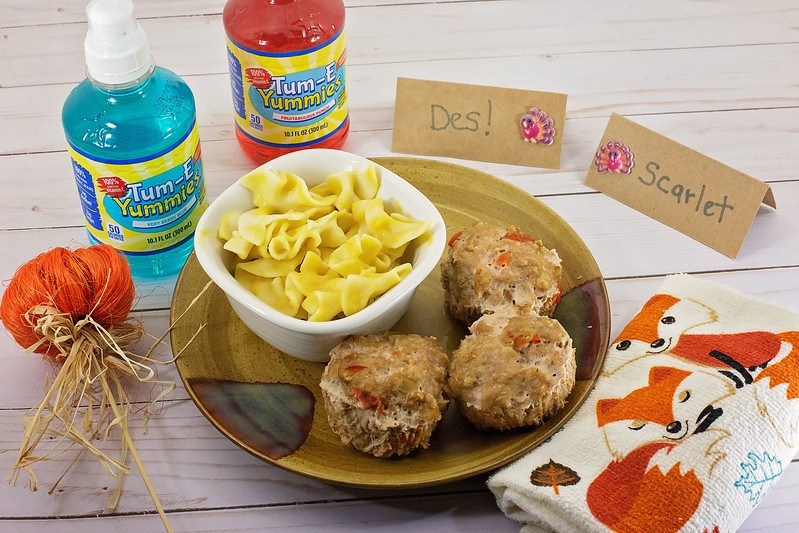 Thanksgiving Place Settings For Kids: Fun Recipes, Place Cards, and Beverages