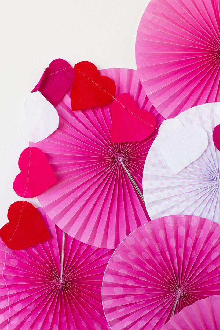 Valentine Hearts making party decor